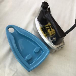 ニットアイロンと湯のし器