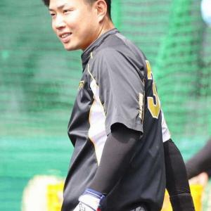 阪神・糸原 試合前練習で通常メニュー消化 18日の巨人戦で相手選手と交錯し負傷交代