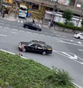 【悲報】女さん、とんでもない方法で知人の車と待ち合わせしてしまうwwwwwwwwwwwww