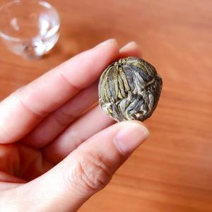 コップの中で咲くお茶