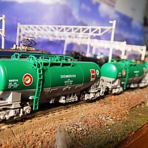 KATOタキ1000 日本石油輸送 ENEOS・エコレールマーク付とEF64 1000 JR貨物新更新色ほか