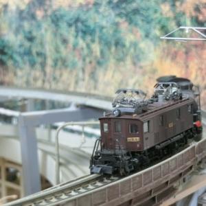 飯田線シリーズED19と貨物列車