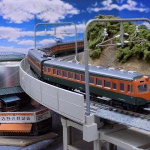 飯田線シリーズ渡らずの鉄橋を渡る80系300番台湘南色電車