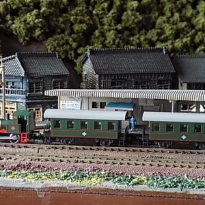 KATOのちびロコ列車は西部劇に出てきそうなSL列車です。