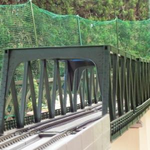 KATO複線トラス鉄橋を使ったジオラマを作るシリーズNO.2鉄橋を仮設してみました。