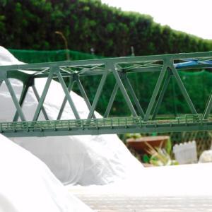 作って楽しいKATO複線トラス鉄橋を使ったジオラマを作るシリーズNO.5 鉄橋両サイドの山を作ってみました。