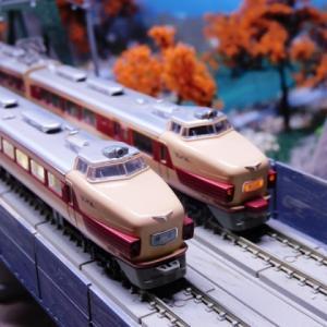 国鉄181系 直流特急形電車 「しおじ・はと」がKATO複線トラス鉄橋を使ったジオラマを走る