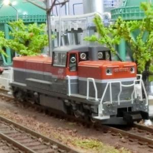 コロナ禍はTMSの楽しみ方は自作が一番!石油コンビナートで活躍のTOMIXDE10-1000 JR貨物新更新車とKATOタキ1000