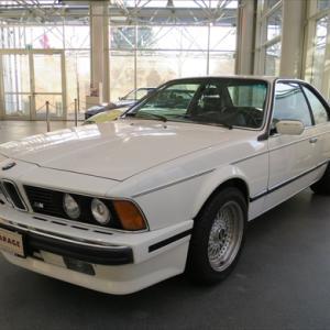 Central Garage BMWの展示