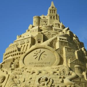 ギネス世界記録高さ世界一 ドイツ デュースブルクに造られた砂の城を見に行く