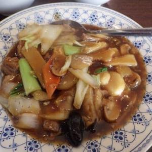 野庭飯店 [港南区] / 牛バラ肉と野菜の煮込みランチ