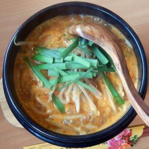 鴨川食堂 [鴨川市] / 鴨川担々麺 + ジャンボ焼き餃子