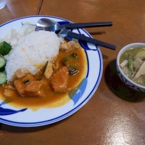 カレーの店 ピー [南区] / ランチ2種カレー + カイヤン