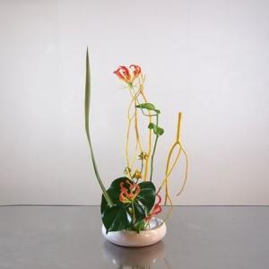 ミツマタ漂白に、生の花を組み合わせて