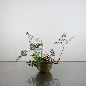うつわ(すり鉢)に花を挿す―A/星川窯
