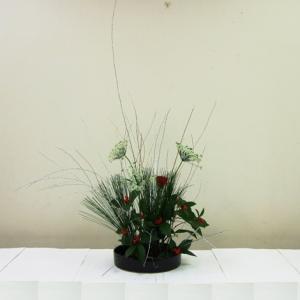生徒さん お正月花 円形のベーシック花器で