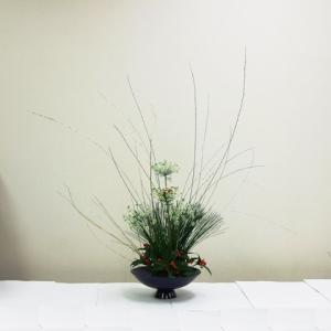 生徒さん お正月花 皿型花器で