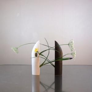 花器つるぎに、レースフラワーを挿してみる