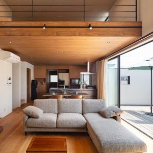 「大きなウッドバルコニーのある家」施工例へアップしました