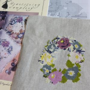 Heartstring Samplery - Victorian Posey 刺し終わり
