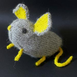 編みネズミ 黄耳