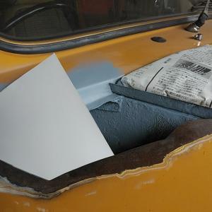 ローバーミニ DIYレストア フロントフェンダーの大穴に着手
