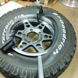 ジープのタイヤを手組みしてみる オールテレーン