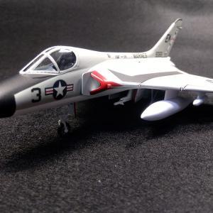 エアフィックス 1/72 F4D-1 スカイレイ アメリカ海兵隊第114戦闘飛行隊 完成
