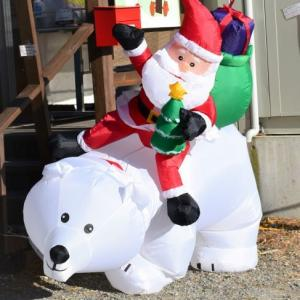 クリスマス装飾でお出迎え 八ヶ岳アルパカ牧場です