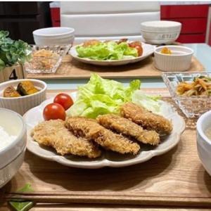 【料理】ばんごはん/ガーリック風味のヒレカツ/ごくごくふつうのカレー/食卓風景