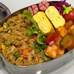 【簡単】お弁当作り/bento/ささみとグリル野菜の甘酢あん/カレー炒飯《旦那弁当》