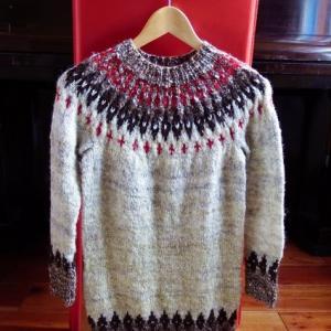 友人に編む手紡ぎセーター