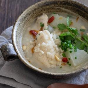 手羽先と大根で。ぷちぷちもち麦入り参鶏湯風スープ