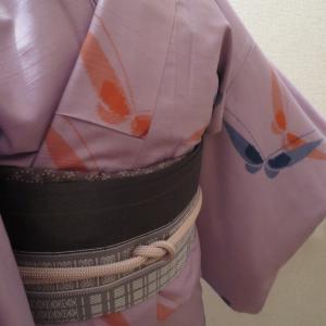 東山魁夷展には紫色の紬で