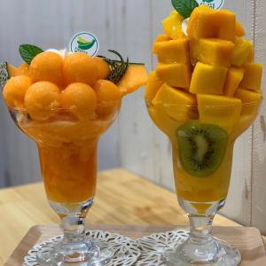 フルーツどっさりパフェ【フルーツすぎ】《大塚》