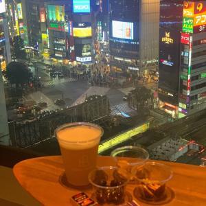 本読み放題+お菓子食べ放題+アルコール飲み放題1,000円!【シェアラウンジ】《渋谷》