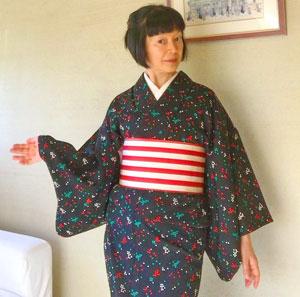 【着物スタイル】白×赤ボーダー柄の単衣博多織半幅帯♪モダンな着こなしに活躍