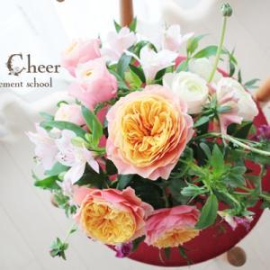 資格コースで花の技術をつける【フラワーアレンジメント 西宮】