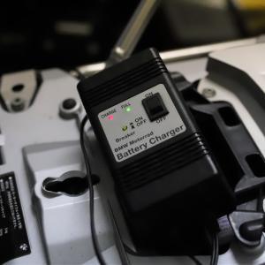 充電器修理してBM2台グッツィ2台バッテリー充電だよっ!