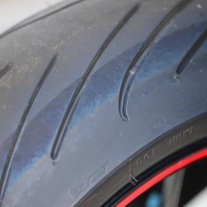 コロナのせいでタイヤが青くなっちまったよっ!