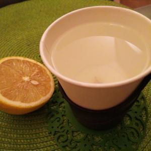 【暴飲暴食】【忘年会】レモン白湯で温活&デトックス