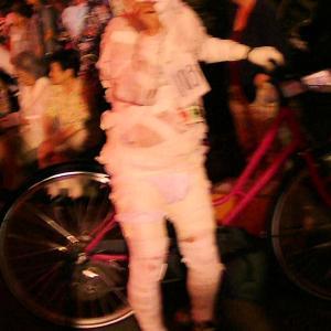 仮装盆踊り大会で2位に・・・・惜しくも残念!!