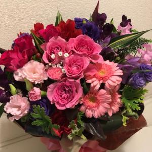 綺麗なお花がお出迎え中&水戸市ネイル&スクール ネイルズニコ
