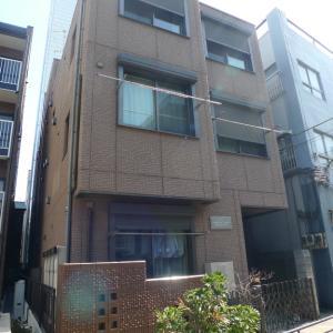 石田「物件斜め前にスーパーのある・上野駅徒歩圏内のマンション」