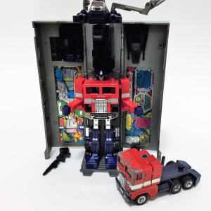 コンボイ 戦え!超ロボット生命体 トランスフォーマー サイバトロン/総司令官 コンボイ タカラ