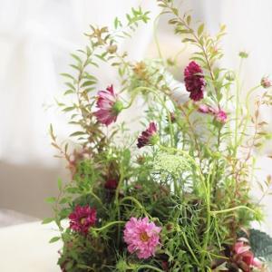コスモスと秋色紫陽花のアレンジメント@フランジュールレッスン
