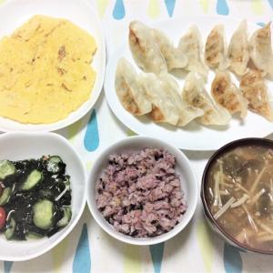 今日のごはん(餃子&豆腐入り卵焼き&酢の物)