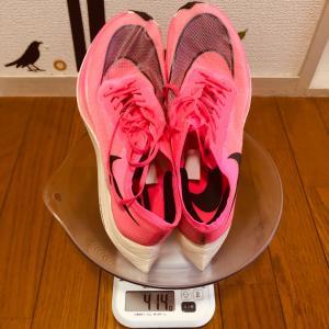 ランニングシューズの重量がランナーにもたらす影響