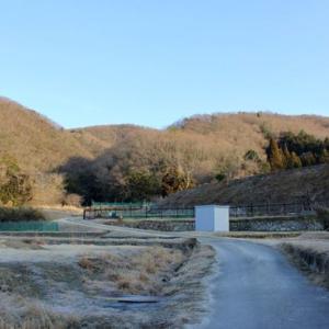 また山陽自動車道を備前から和気に向かって走っていると左前方に見える観音寺山の黄色い大岩改めオレンジロックへ行く!その1
