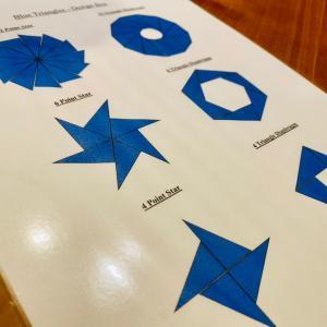 モンテッソーリ・感覚教育「12枚の青い三角形でモンテッソーリマジックを再確認」